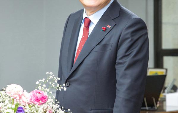 [인터뷰]  '할 말하고, 할 일하는 당당한 중소기업중앙회 만든다' - '중소기업중앙회 김기문 회장'